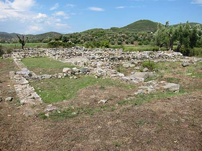 Further archaeological remains. Photograph: KW.