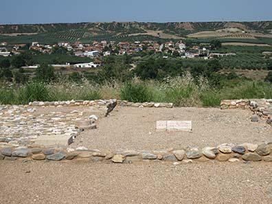 Blick vom Stadtberg von Olynthos hinunter auf die Ebene. Foto: KW.