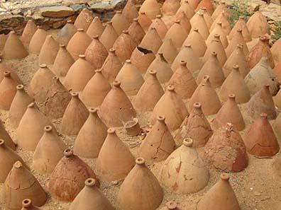 129 amphorai upside-down. Photograph: KW.