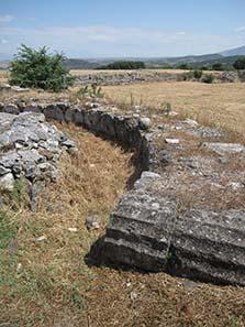 An apse built from column shafts. Photograph: KW.