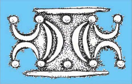Uniting (silver) crescent moons with (gold) neck torcs on Iceni coins may imply a belief in the holy role of kings and queens or, at the very least, that moons and torcs were key icons of this tribe. Source: Jane Bottomley.