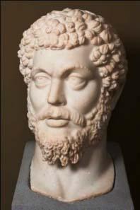 Colossal head in white marble of Roman Emperor Marcus Aurelius (161-180 AD). © K.U. Leuven, Bruno Vandermeulen, Danny Veys.