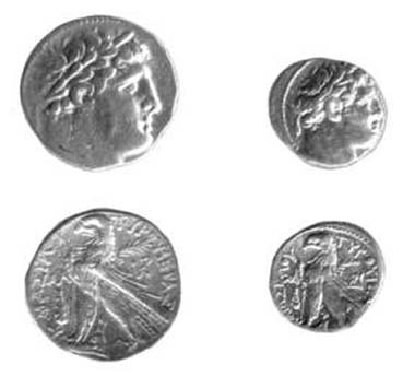 Tyre shekel dated 96/95 BCE (left) and half shekel dated 90/89 BCE from the group that recently appeared on the market.
