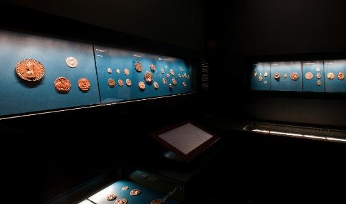 Coin cabinet. Photo: HMB Philipp Emmel.