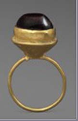 Early Byzantine gold and garnet ring. 5th-6th century AD. GBP 4,000.