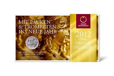 Die 5-Euro-Neujahrsmünze aus Silber kommt edel verpackt im Blister mit goldfarbener Banderole. Quelle: Münze Österreich AG.