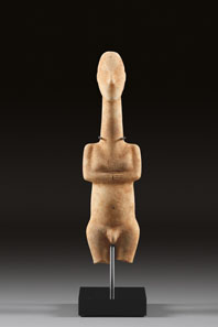 2: Male Cycladic idol. Marble. H 21cm. Early Cycladic I, Plastiras type, c. 3200-2700 B. C. From Waltz Collection, 1970s. Estimate. 25,000 Euros. End result: 322,000 Euros.