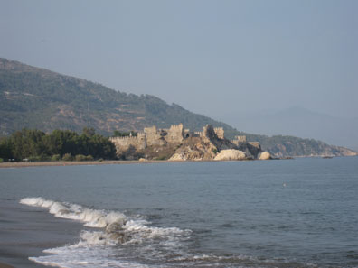 The castle of Anemourion from some distance. Photo: KW.