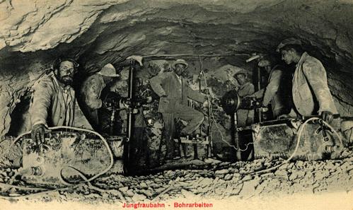 Bohrarbeiten beim Bau der Jungfraubahn, um 1900. Quelle: Wikipedia.