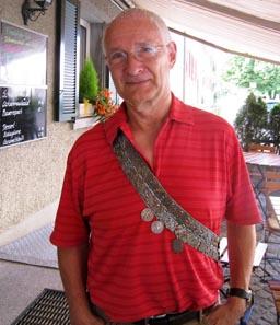 Der Autor mit seinem persönlichen Turnband.