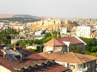 Blick von der Hotelterrasse aus auf die Altstadt von Gaziantep. Foto: UK.