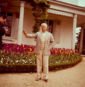Charles Chaplin, Regisseur und Schauspieler, Corsiersur-Vevey, um 1964. © Schweizerisches Nationalmuseum.