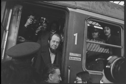 Ankunft von Alexander Solschenizyn in Zürich, 15.2.1974. © Schweizerisches Nationalmuseum.