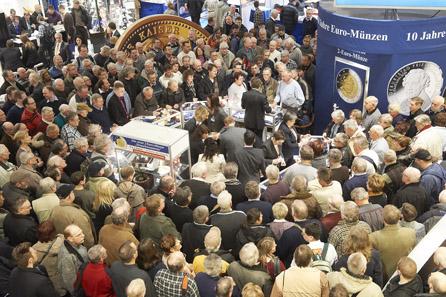 Der Stand von MDM beim Verkauf der neuen 2-Euro-Gedenkmünze