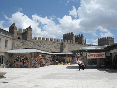 The citadel with numerous built-in shops. Photograph: KW.