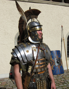 Basically the optio wears the same helmet as the legionaries. Photo: UK.