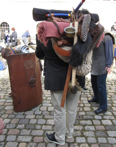 Peter Jezler, director of the museum, wearing a legionary's field pack on his back. Photo: KW.