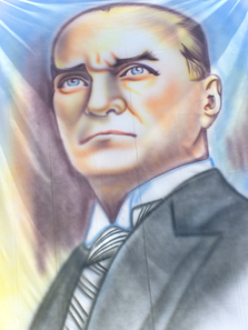 Porträts Atatürks sind überall zu sehen. Hier ein Beispiel aus Antalya. Foto: UK.