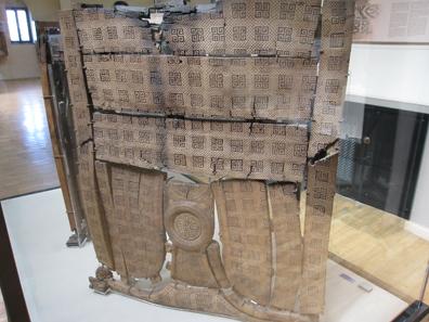 Möbelreste aus dem so genannten Grab des Midas. Foto: KW.