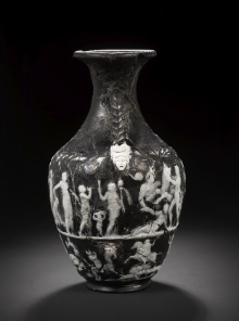 Bonhams Vase, side view: Oreibasia and death of Dirke (press photo Bonhams, London; by courtesy of the owner of the vase).