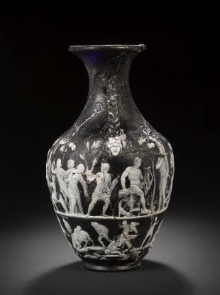 Bonhams Vase, side view: Seizure of Antiope and dialogue of the twins (press photo Bonhams, London; by courtesy of the owner of the vase).