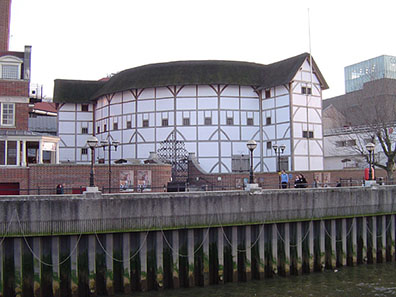 Shakespeare's Globe Theatre, London, rebuilt 1997. Photo: ChrisO / Wikipedia.