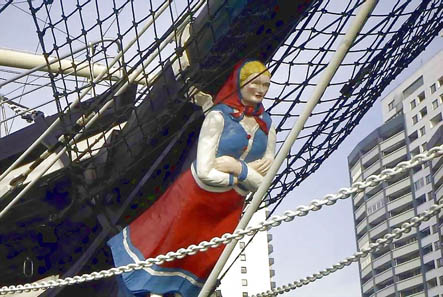 Figurehead of Seute Deern. Photograph: Uwe Horst Friese, Bremerhaven / Wikipedia.