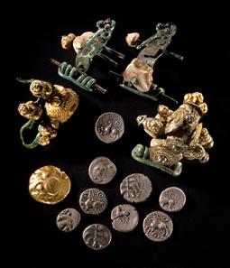 Schatzfund von Langenau, 1. Jahrhundert v. Chr. Landesmuseum Württemberg, Stuttgart, Foto: Hendrik Zwietasch.