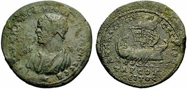 Tarsos (Kilikien), AE, Caracalla, 198/211-217. Vs.: Büste des Caracalla mit Reif im Haar n. l., darunter Stern. Rs.: Galeere n.r. darunter Fische. SNG BN 1531var. Aus Rauch Sommerauktion (2011), Nr. 828.