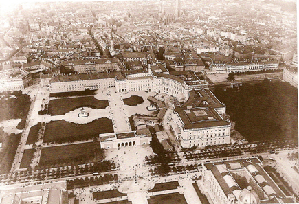 Aerial shot of the Hofburg Palace from a balloon, 1900. Source: Wikipedia.