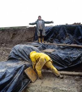 Während einer Ausgrabung scheint immer nur die Sonne, wie diese Fotografie von Marc Juillard zeigt.