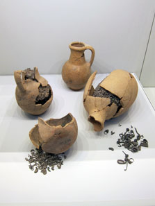 Hoard find from Eshtemoa, 9th to 8th century BCE. Photo: UK.