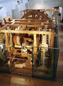 Der Nachbau der historischen Walzenprägemaschine im Münzerturm in Hall. Foto: Münze Hall.