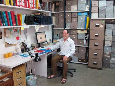 Donald T. Ariel in seinem Büro. Foto: UK.