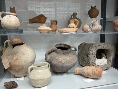 The coin department keeps all the vessels in which the coins were found. Photo: UK.