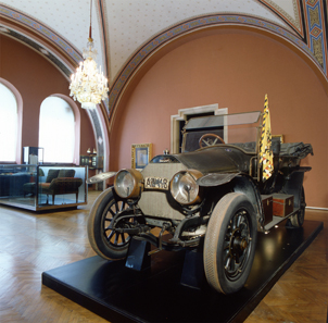 In this vehicle Archduke Francis Ferdinand and his spouse Sophie Duchess of Hohenberg were assassinated on June 28, 1914 in Sarajevo. Photo: Heeresgeschichtliches Museum / Militärhistorisches Institut Wien.