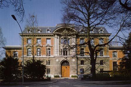 Der Eingang zur Swissmint von der Bernastraße aus.
