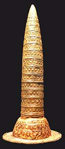 Gold always fascinated people – this object was made in the Bronze Age, during 1000 and 800 B. C. Photograph Andreas Praefcke / Wikipedia.