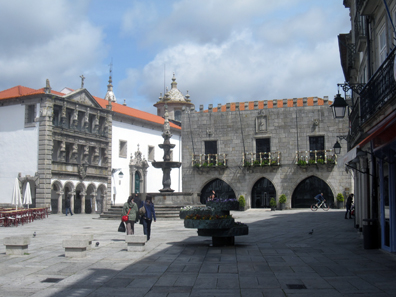 The central square of Viana do Castelo, said to be one of the most romantic in Portugal. Photo: KW.