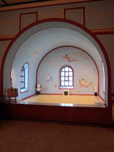 The cold pool or frigidarium. Photo: KW.