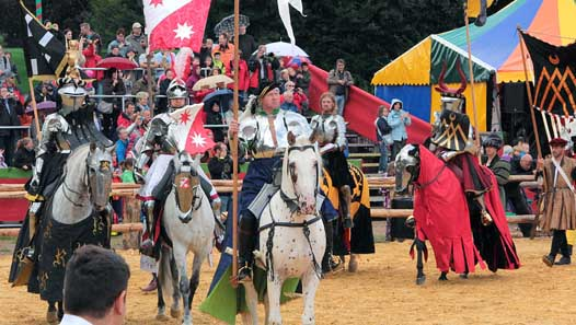 The knights' entrance. Photo © District town Sankt Wendel.