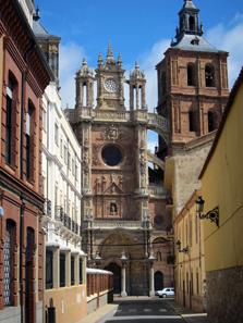 Ein erster Blick auf die spätgotische Kathedrale von Astorga. Foto: KW.