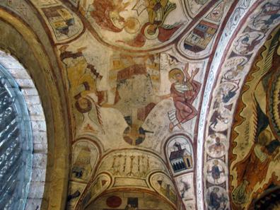 Ein Blick in die Kuppel der königlichen Grabeskirche. Foto: KW.
