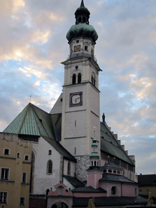 Parish church St Nicholas of Hall. Photo: KW.