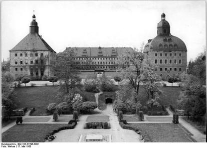Gotha, Schloss Friedenstein, 17. Mai 1956. Bundesarchiv, Bild 183-37296-0001 / CC-BY-SA.