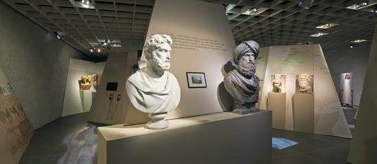 Einblick in die Ausstellung. Foto: Andreas Voegelin, Antikenmuseum Basel.