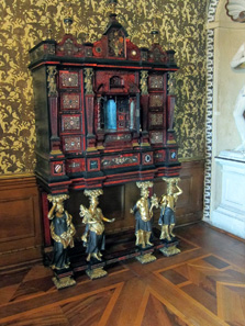 The representative rooms. A cabinet, made c.1680. Photo: KW.
