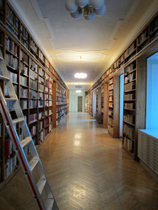 A glance into the research library in Gotha. Photo: KW.