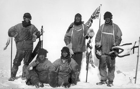 Last expedition of Robert Falcon Scott. The image shows Wilson, Scott and Oates (standing); and Bowers and Evans (sitting). Photo: Henry Bowers.