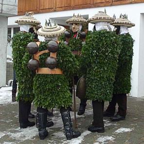 Silvesterkläuse in Urnäsch 1 (Kanton Appenzell, Schweiz). Foto: Nofnof / http://creativecommons.org/licenses/by/3.0/deed.de.